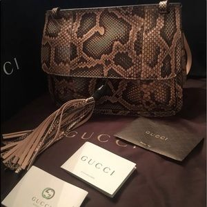 Gucci Python handbag : shoulder or crossbody